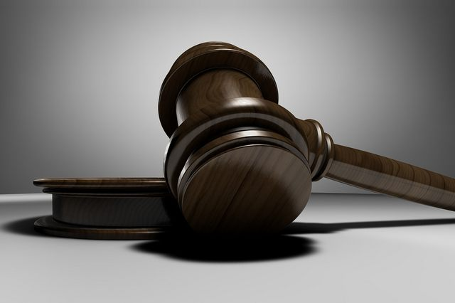Condenado a pagar el detective que su empresa contrató para despedirle